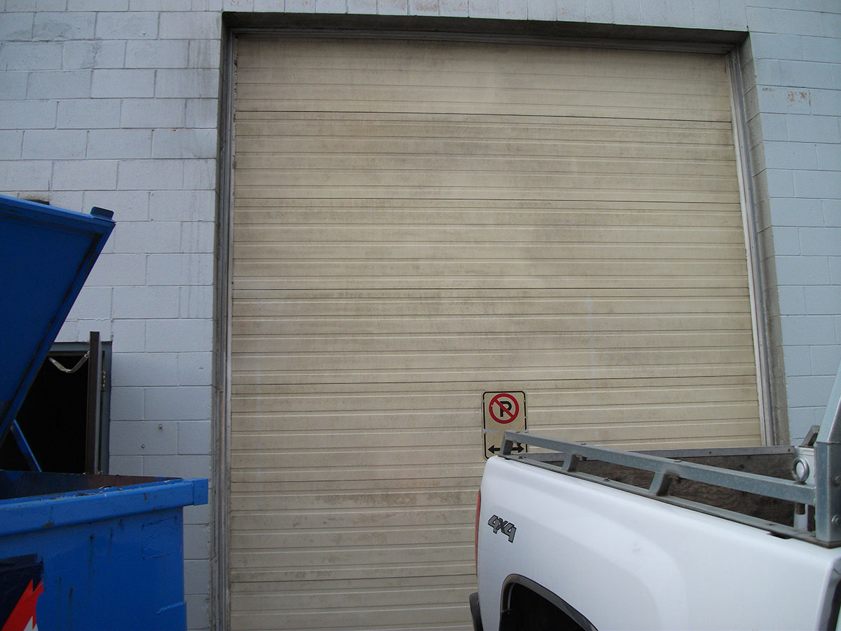 Garage door cleaning after